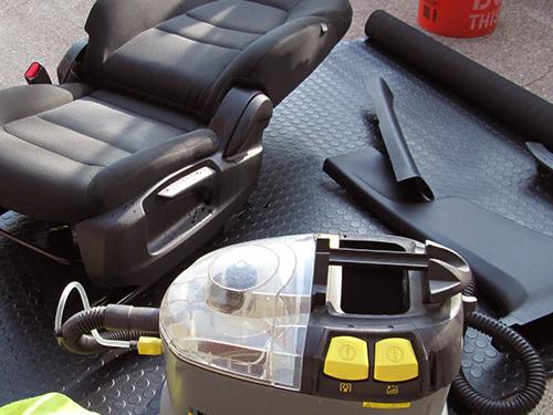 プレミアム車内清掃・消臭クリーニング